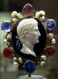 Император Август (камея)